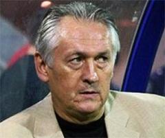 Головним тренером збірної України з футболу став Михайло Фоменко - фото