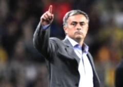 Жозе Моуріньо став найкращим тренером року - фото