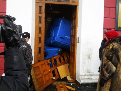 Затриманих за інцидент біля Одеської міськради можуть відпустити під заставу - фото