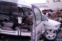 Під Ніжином в аварії загинули 2 молдаванина та 1 росіянин - фото