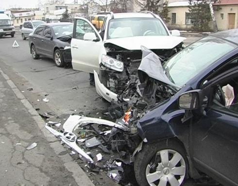 Велика аварія на столичній вул Електриків – є постраждалі - фото