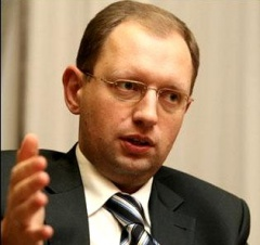 Яценюк: адміністрація президента намагається скасувати вибори у Києві - фото