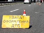 На Одещині мікроавтобус з людьми врізався у вантажівку, що була припаркована на узбіччі