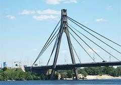 Рух по Московському мосту обмежать - фото