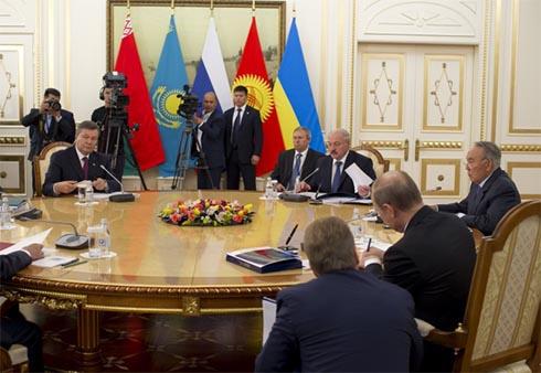 Янукович: меморандум щодо формату участі у МС буде підписаний найближчим часом - фото