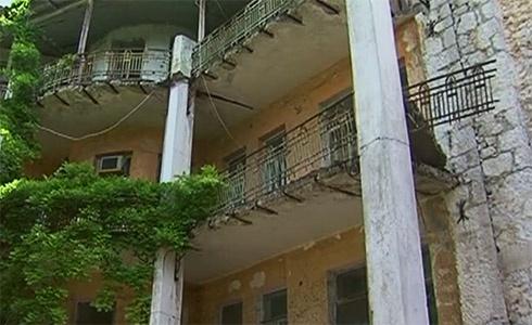 Міліція затримала посадовців санаторію, в якому при обвалі балкону загинула дитина - фото