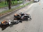 У Києві на мотоциклі розбилися двоє молодих людей