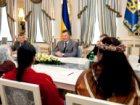 Янукович зустрівся з індіанцями