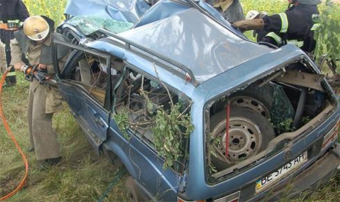 На Миколаївщині внаслідок аварії загинули 6 осіб - фото