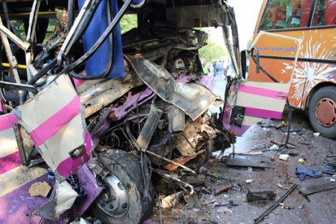 На Волині автобус з дітьми зіткнувся з рейсовим автобусом – 8 загиблих та 27 травмованих - фото