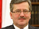 Об плече президента Польщі роздушили яйце