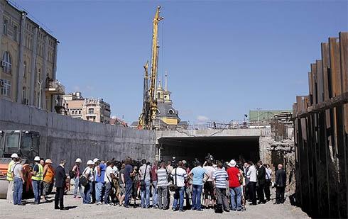Тунель на Поштовій площі планують відкрити 8 серпня - фото