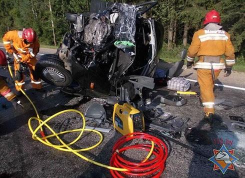 В Білорусії в аварію потрапив український автобус, є загиблі - фото