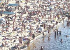 У Києві дозволили купатися на 7 пляжах - фото