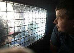 Активістам, які «захопили» Київраду, дали 5 діб арешту - фото