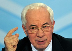 Азаров хоче до кінця року позичити 750 мільйонів доларів - фото