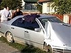 П'яний міліціонер на Мерседесі врізався в електроопору