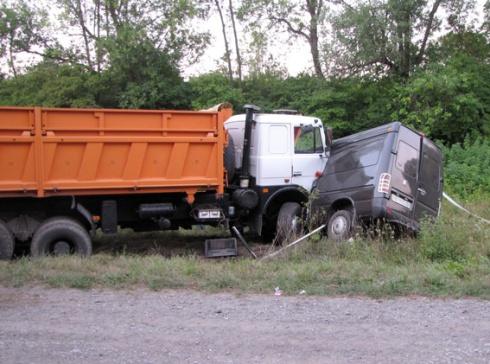 У Хмельницькій області в аварії загинули 9 людей - фото
