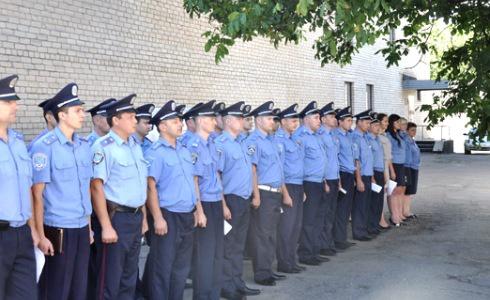Звільнено трьох міліціонерів Врадіївського райвідділу - фото