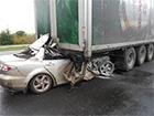 На Полтавщині легковик в'їхав під фуру – загинули 2 особи