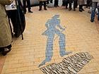В центрі Одеси відкрили пам'ятний знак «Тінь Пушкіна»