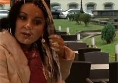 Відео з облитою майонезом Абдулліною - фото