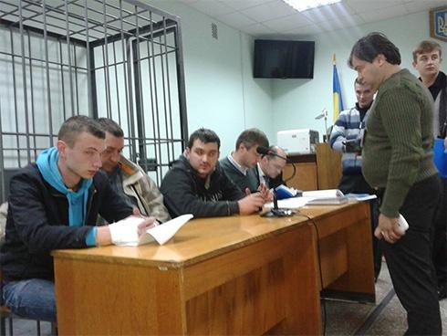 Вночі на Полтавщині за поваленого Леніна судили свободівців - фото