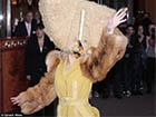 Леді Гага у Берліні шокувала людей своїм костюмом