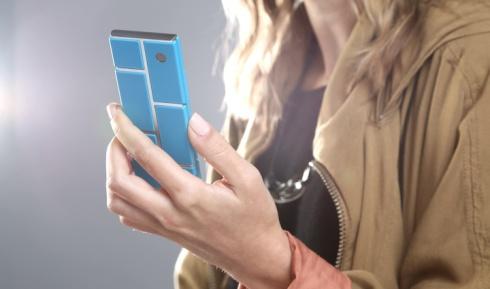 Motorola збирається випустити смартфон-конструктор - фото