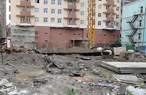 На Жилянській «цікаве протистояння» - фото