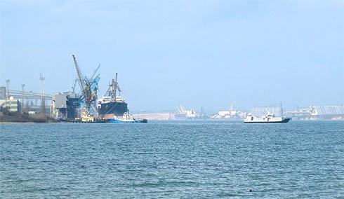 Порт Южний накрила аміачна хмара - фото