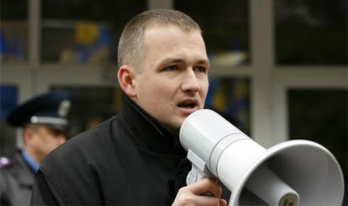 Свободівця Левченка викликають на допит до міліції - фото
