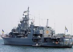 Український фрегат «Гетьман Сагайдачний» бореться з піратами - фото
