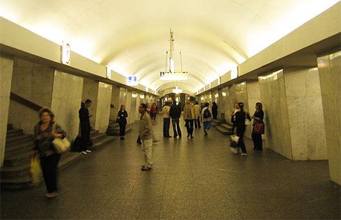 В Москві зупинилося метро з-за п′яного українця - фото