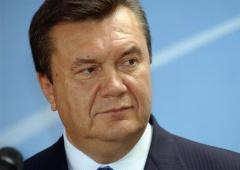 Янукович доручив Пшонці зайнятися вболівальниками на «Арені Львів» - фото