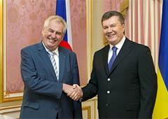 Янукович і президент Чехії обговорили питання Тимошенко - фото