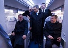 Янукович показав Ердогану український літак АН-158 - фото