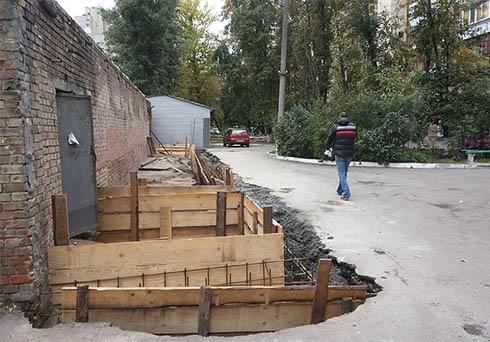 Законність будівництва на Червоноармійській перевірять - фото