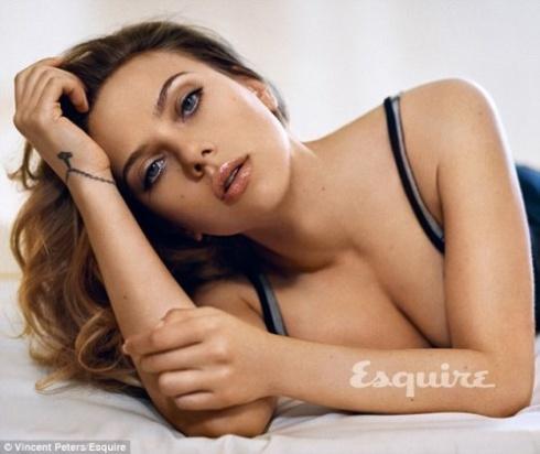 Журнал Esquire об'явив Скарлетт Йоханссон секс-символом сучасності - фото