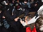 Беркут вночі жорстоко атакував київський Євромайдан