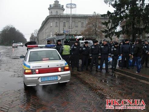Чернігівський Євромайдан знесли - фото