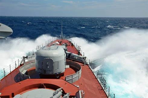 «Гетьман Сагайдачний» в Аденській затоці перехопив човен з піратами - фото