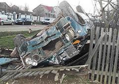 На Буковині водій наїхав на трьох школярок, одна з них померла (фото) - фото