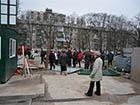 На Героїв Севастополя знесли будівельний паркан