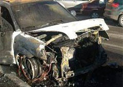 Одному за активістів Євромайдану спалили машину - фото