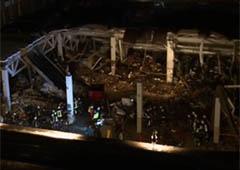 Прем′єр Латвії йде у відставку з-за трагедії при обваленні даху супермаркету - фото