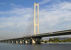 У Києві на Південному мосту буде обмежено рух автотранспорту - фото