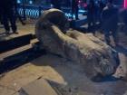 Знесли пам′ятник Леніну навпроти Бессарабки