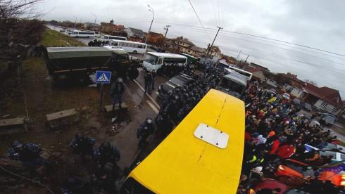 Автомайдан з′їздив у Нові Петрівці, але до Межигір′я так і не доїхав - фото