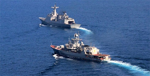 Фрегат «Гетьман Сагайдачний» провів тренування з корейським есмінцем «Чоу Юн» - фото